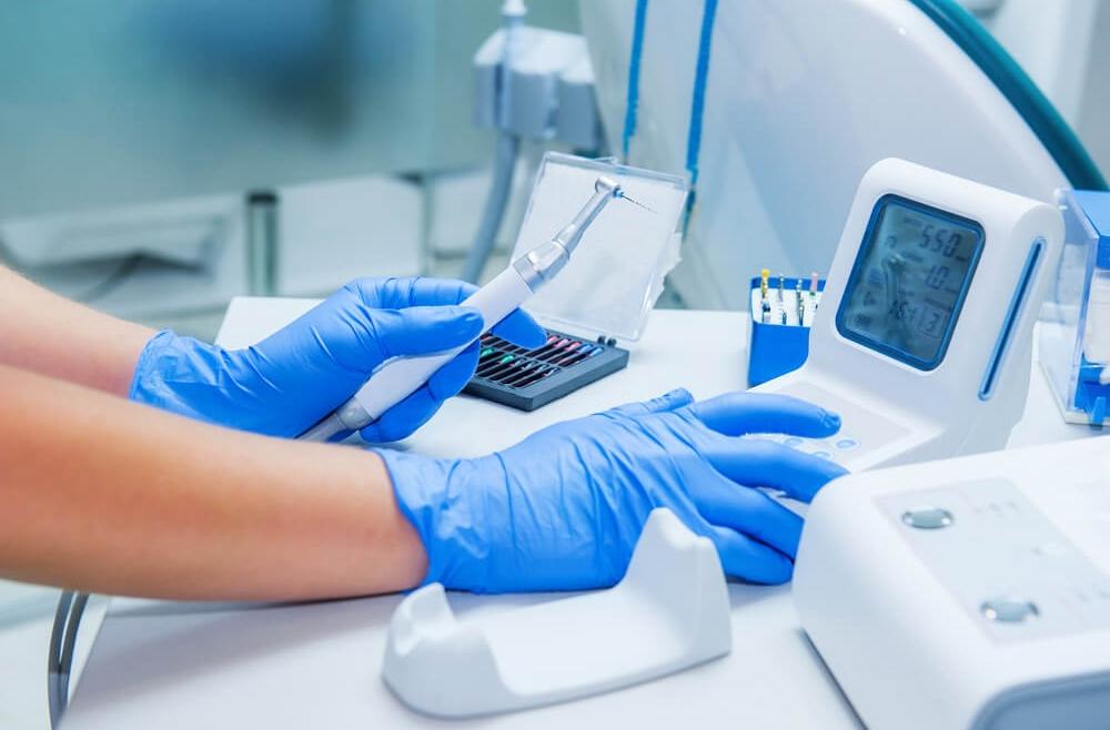 Zalety leczenia laserowego w stomatologii