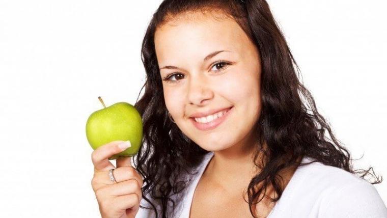 Gingiwektomia i gingiwoplastyka, czyli poprawa estetyki uśmiechu