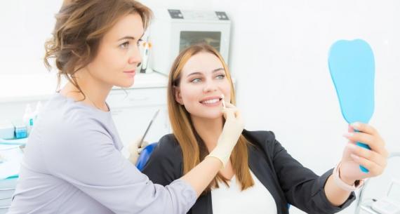 Jak dbać o zęby po wykonaniu licówek?
