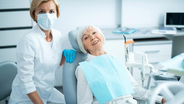 Dlaczego braki zębowe warto wypełnić jak najszybciej?