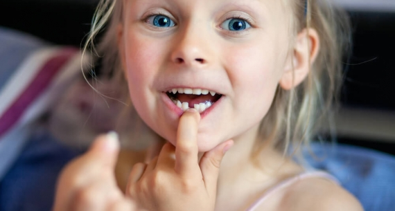 Do jakich powikłań prowadzi przedwczesna utrata zębów mlecznych u dziecka?