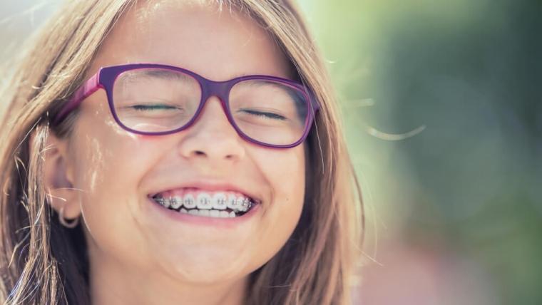 W jakim wieku warto rozpocząć leczenie ortodontyczne?